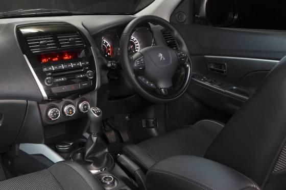 Peugeot 4008 dash