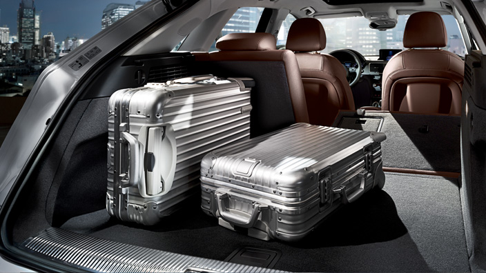 Audi Q3 trunk