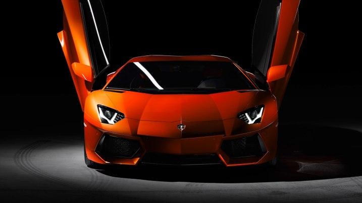 Lamborghini Aventrador exterior