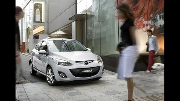 Mazda 2 exterior