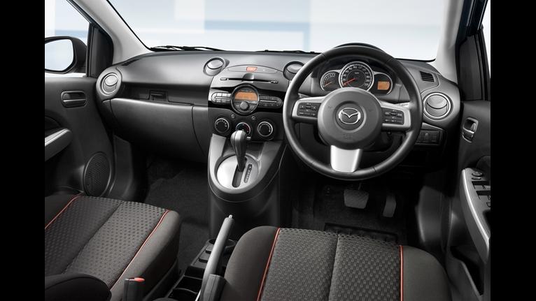 Mazda 2 dash