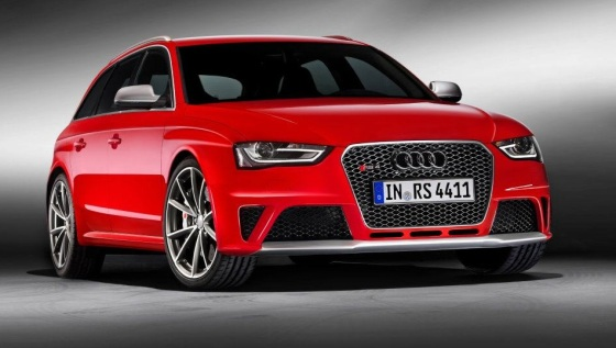 Audi RS4 exterior B8