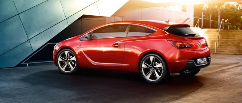 Opel Astra GTC rear