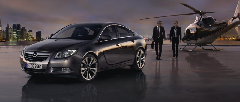 Opel Insignia helicopter
