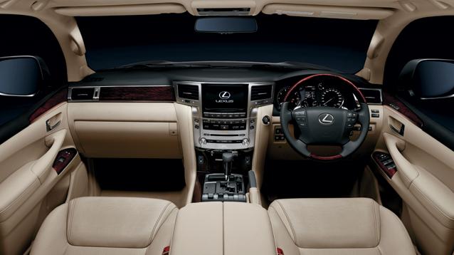 Lexus LX 570 interior