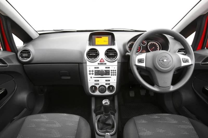 Opel Corsa dash