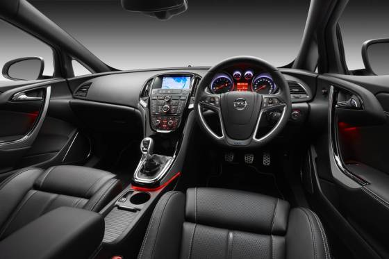 Opel Astra OPC dash