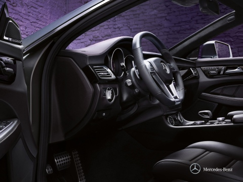 Mercedes-Benz CLS Coupe interior