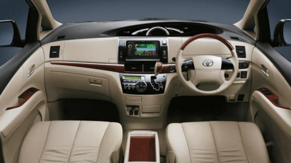 Toyota Tarago dash