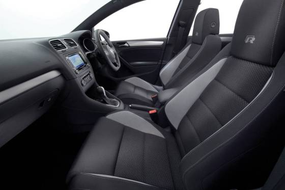 Volkswagen Golf R dash